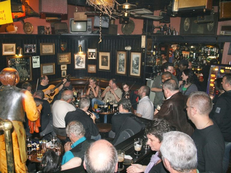Trad session at Peter Kavanagh's