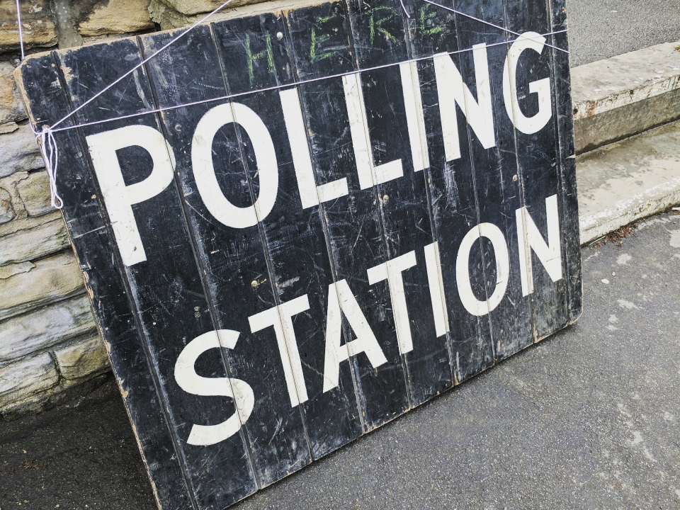 Polling Station sign (detail of photograph), courtesy of Pixaby